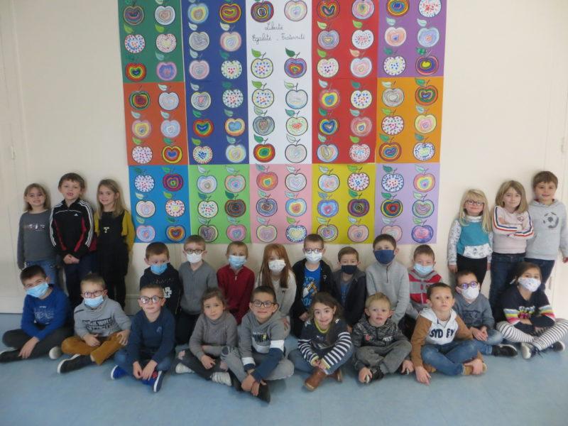 Une fresque collective en hommage à Samuel Paty